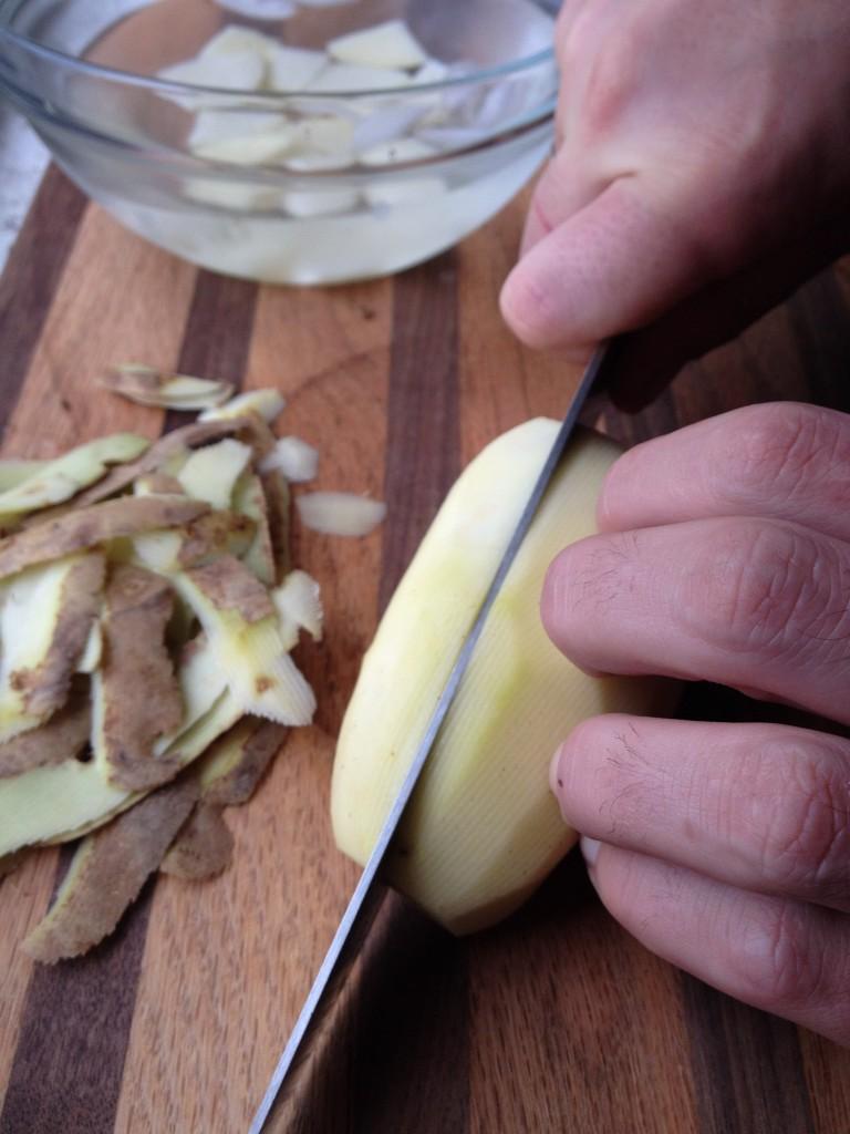 Chopping patatas