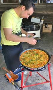 paella tending