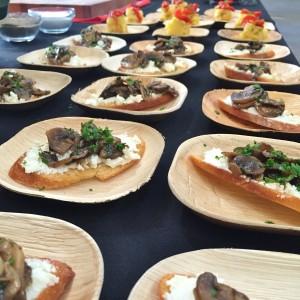 garlic mushroom and goat cheese crostini